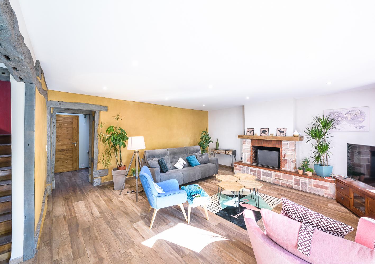 salon maison en terre