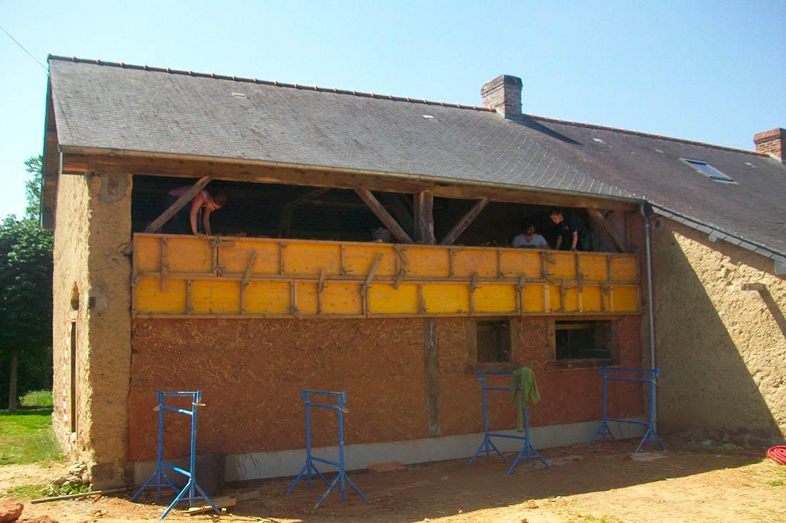 Rénovation d'une maison en torchis près de Rennes, à Gévezé